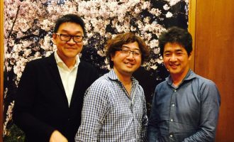 [中]LINE 元CEO、C Channelの森川亮社長 ・[右]政経電論編集長の佐藤尊徳氏と