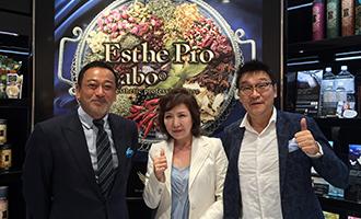 [左]アヴァンセ 小林光子社長・[中]クールエステティック 茂藤雅彦社長と